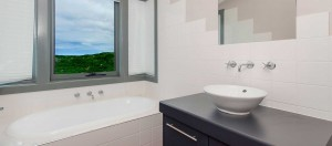 PhillipIsland-accommodation-holiday-house-champagne-bath1920x850